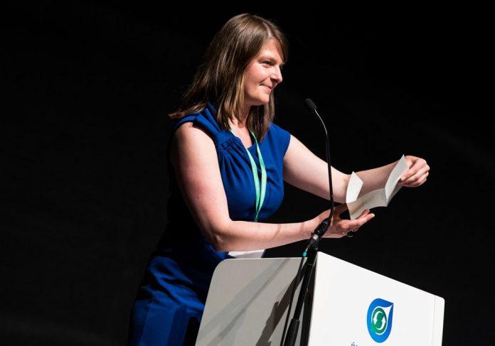 Momento de lectura del ganador en la edición de 2015